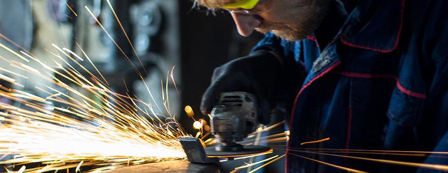 Como é o processo de produção do ferro e do aço?